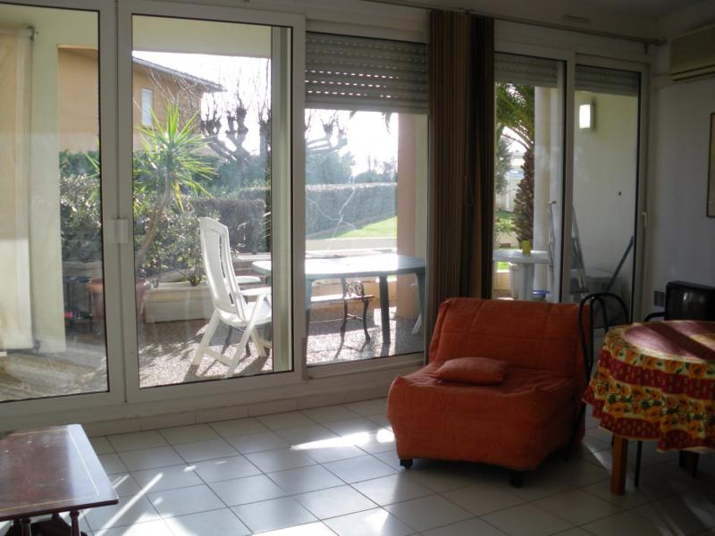 Location appartement Port fréjus 635€ CC - Photo 3