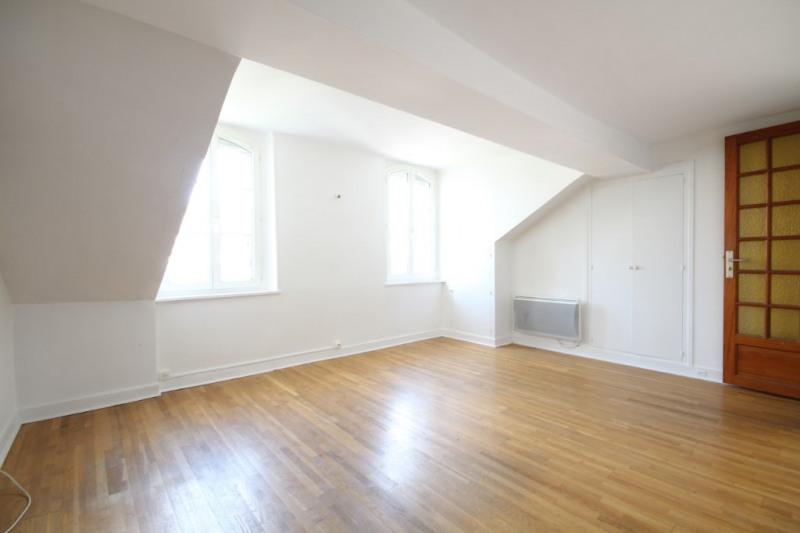 Sale apartment Saint germain en laye 228000€ - Picture 1