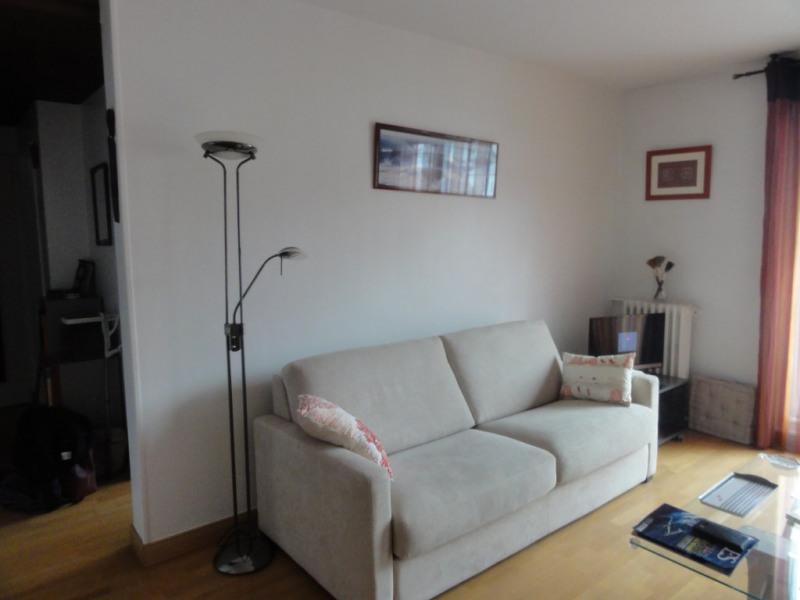 Deluxe sale apartment Rueil malmaison 300000€ - Picture 1