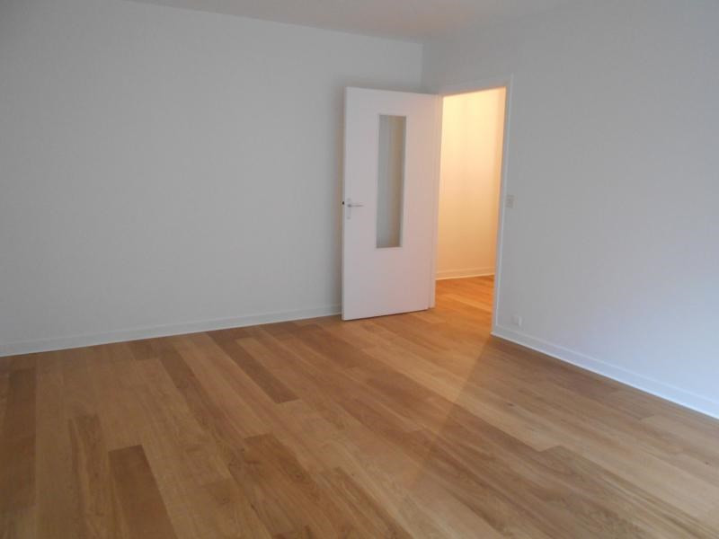 Location appartement Paris 16ème 2 450€ CC - Photo 6