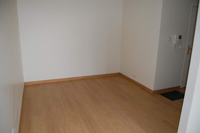 Location appartement Vigneux sur seine 585€ CC - Photo 2