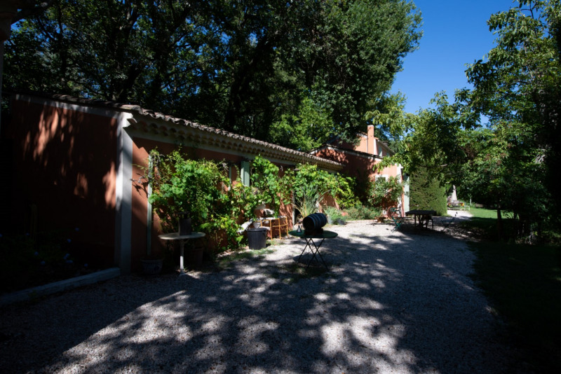 Deluxe sale house / villa Vedène 785000€ - Picture 2