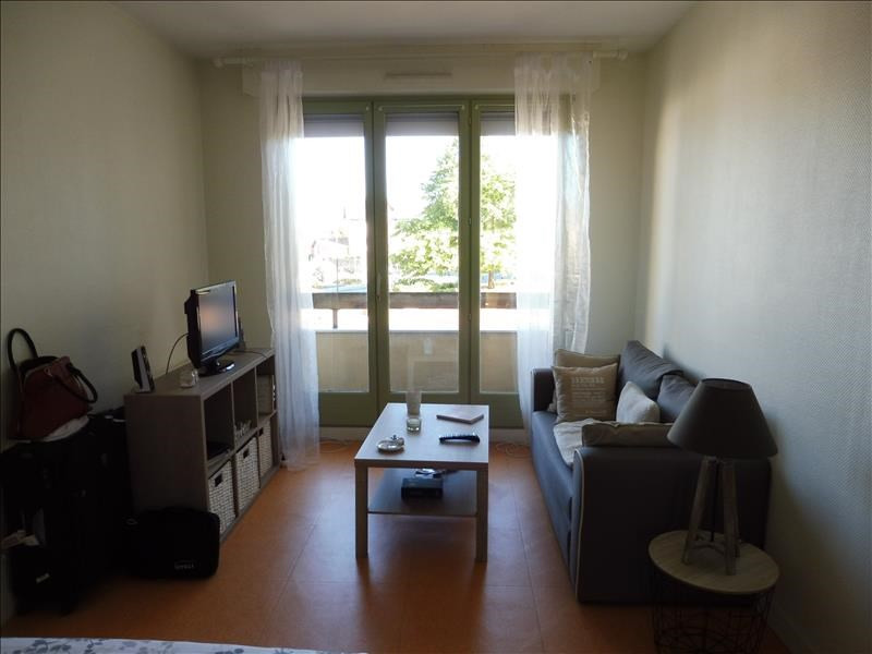 Rental apartment Saint pierre montlimart 305€ CC - Picture 3