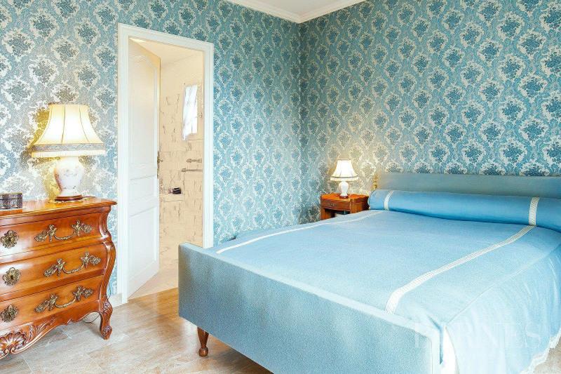 Deluxe sale house / villa Francheville 595000€ - Picture 4