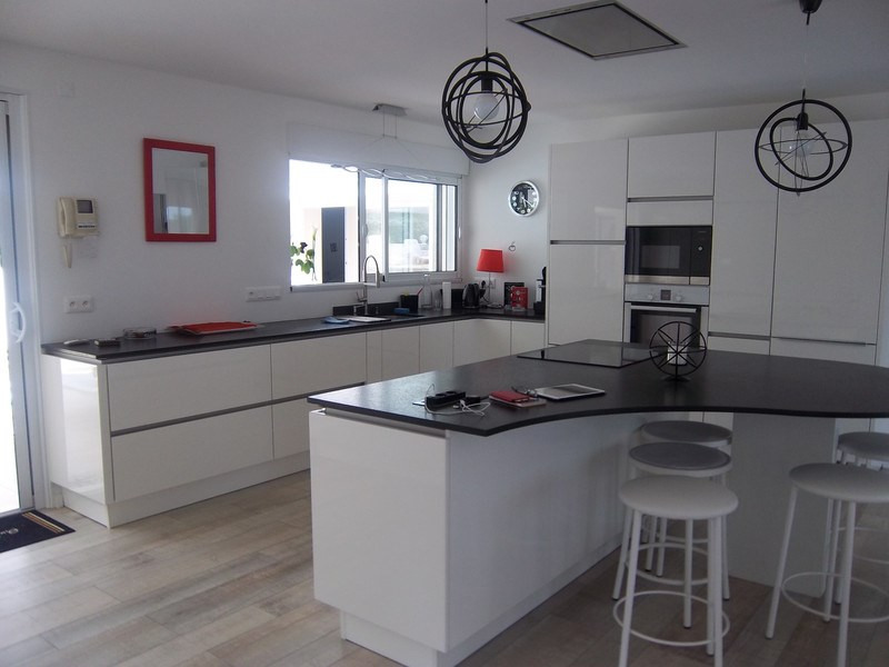 Deluxe sale house / villa Jard-sur-mer 676000€ - Picture 5