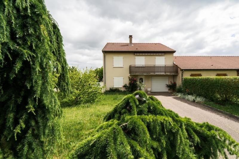 Sale house / villa Noisseville 254000€ - Picture 1