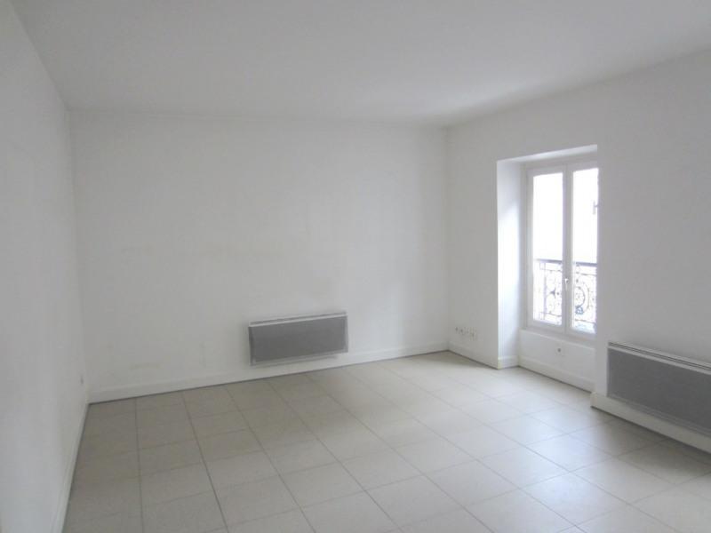 Location appartement Paris 18ème 1083€ CC - Photo 3