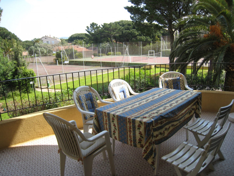 Vacation rental apartment Cavalaire sur mer 1 000€ - Picture 7