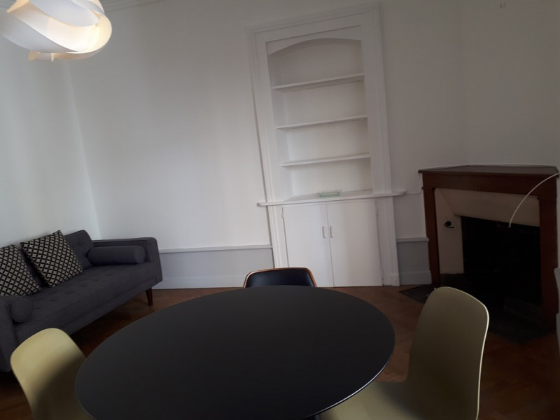 Rental apartment Annecy 945€ CC - Picture 2