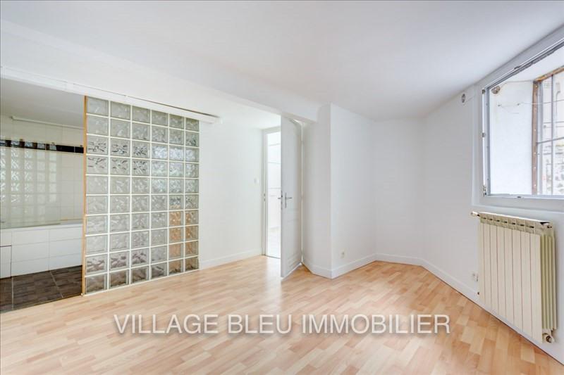 Rental apartment Courbevoie 950€ CC - Picture 2