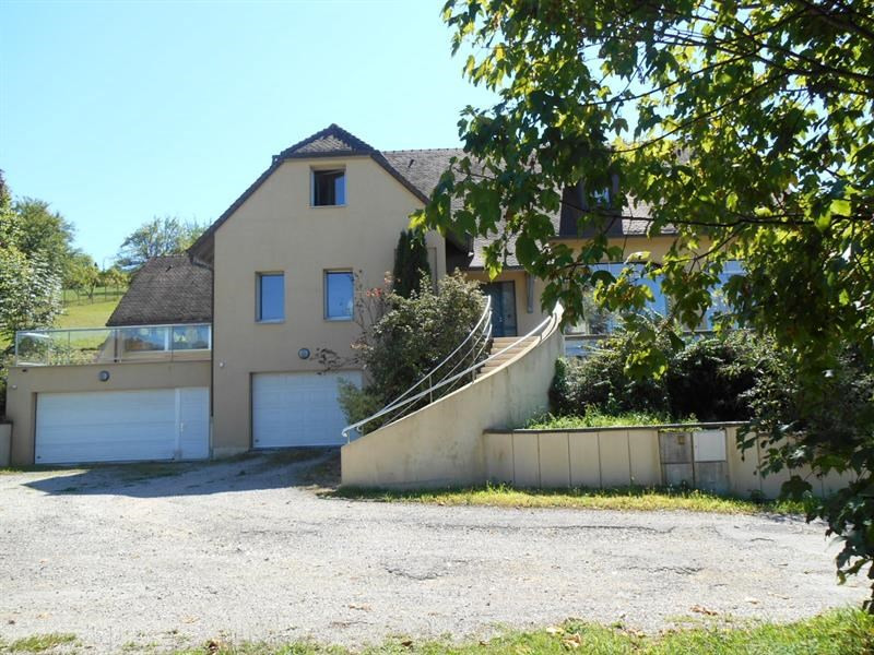 Sale house / villa Lons-le-saunier 440000€ - Picture 3