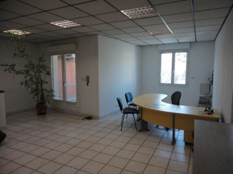 Commercial lease transfer empty room/storage Monteux  - Picture 3