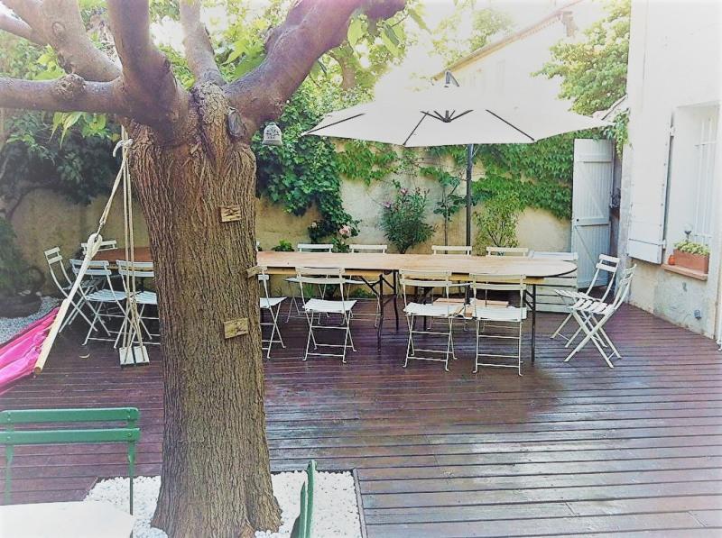 Deluxe sale house / villa Aix en provence 650000€ - Picture 1