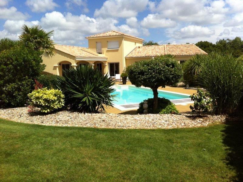 Deluxe sale house / villa Sainte-foy 641700€ - Picture 7