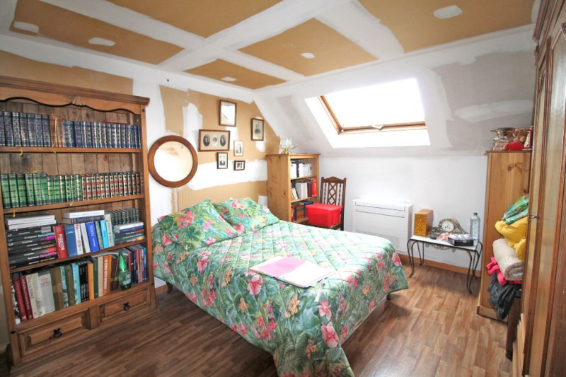 Sale house / villa La chartre sur le loir 65600€ - Picture 9