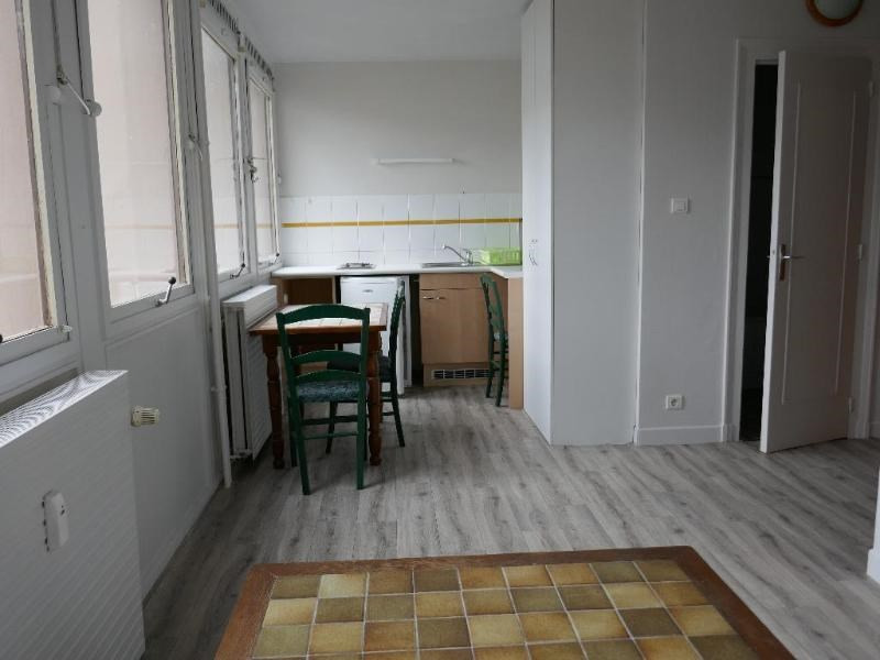 Location appartement Oyonnax 335€ CC - Photo 1