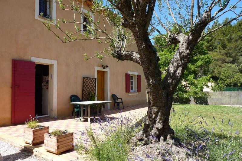 Location maison / villa Mimet 1 898€ CC - Photo 4