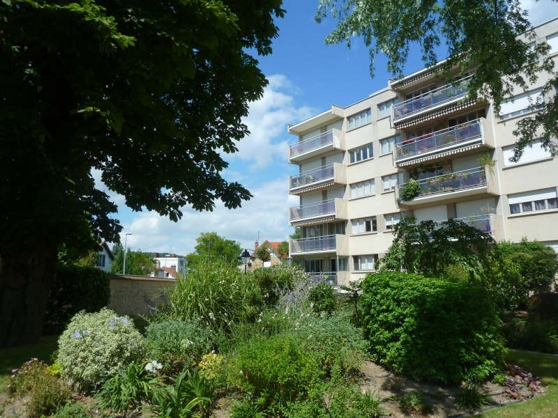 Rental apartment Andresy 870€ CC - Picture 1