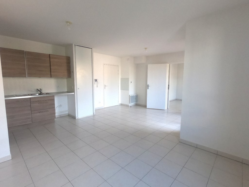 Location appartement Luynes 787€ CC - Photo 1