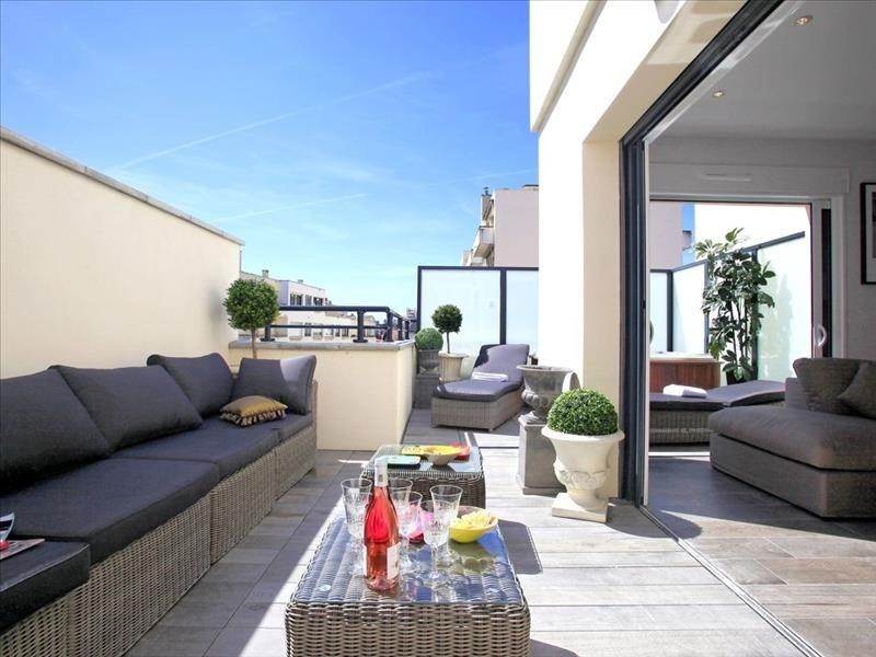 Deluxe sale apartment Biarritz 843 000€ - Picture 1