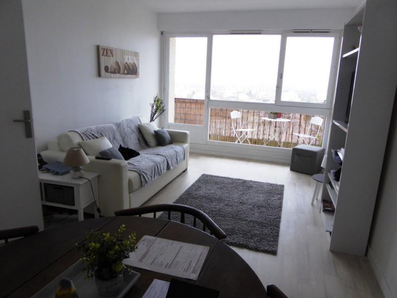 Rental apartment Maurepas 877€ CC - Picture 2