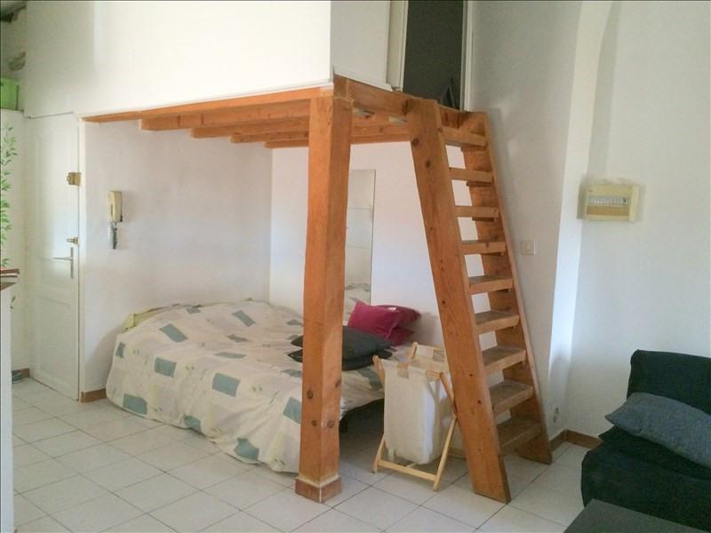 Rental apartment Les milles 498€ CC - Picture 2