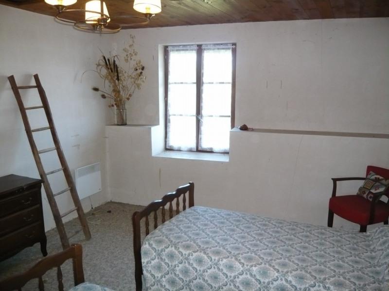 Sale house / villa Briord 79900€ - Picture 4