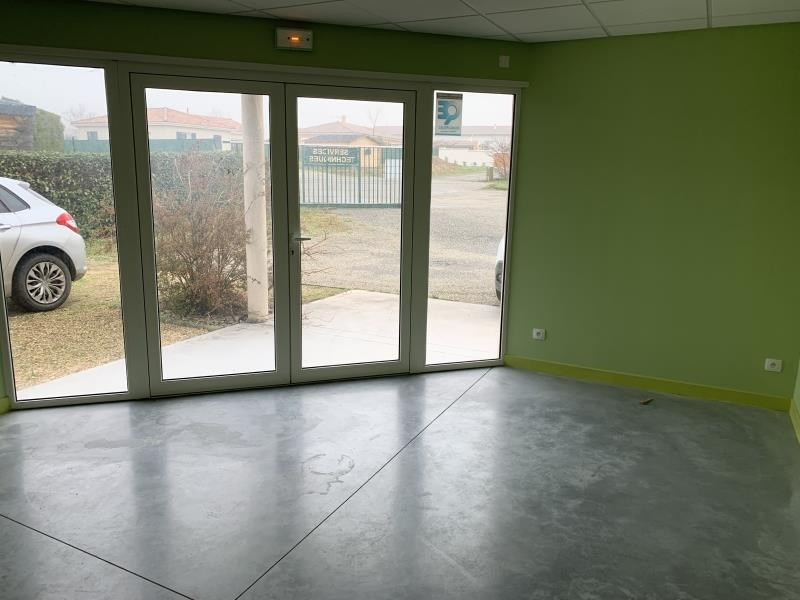 Location local commercial Montvendre 980€ HT/HC - Photo 8