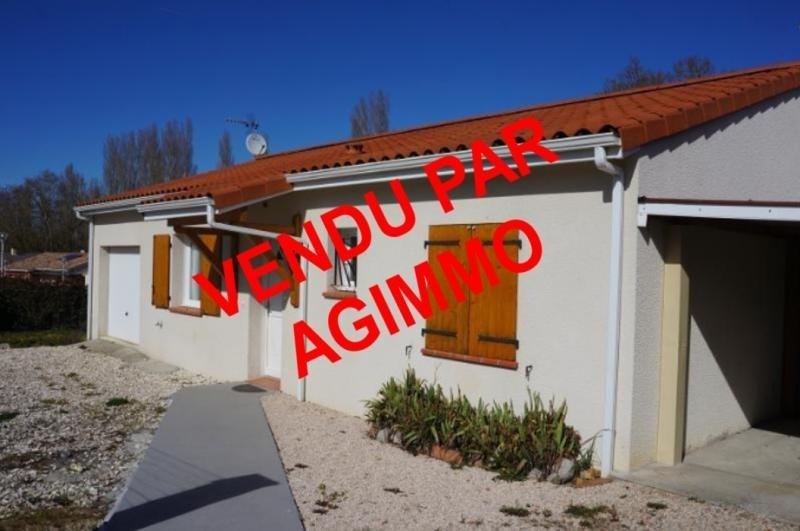 Sale house / villa L isle jourdain 243000€ - Picture 1