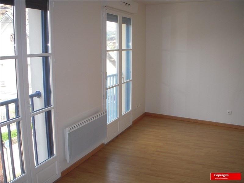 Location appartement Montereau fault yonne 551€ CC - Photo 1