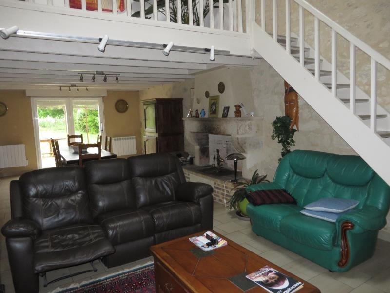 Location maison / villa Montpon menesterol 805€ CC - Photo 2
