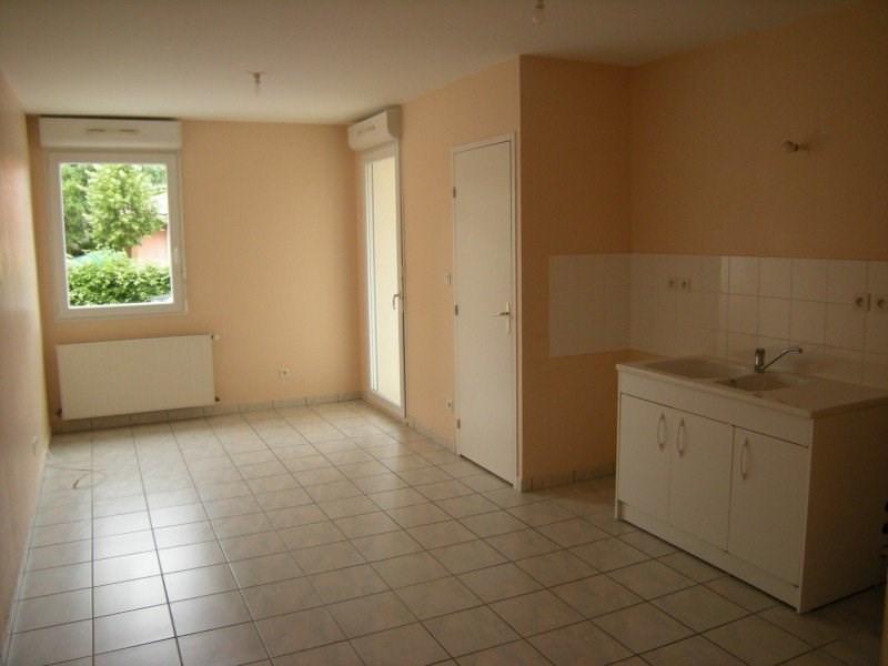 Location appartement Montrevel-en-bresse 594€ CC - Photo 2
