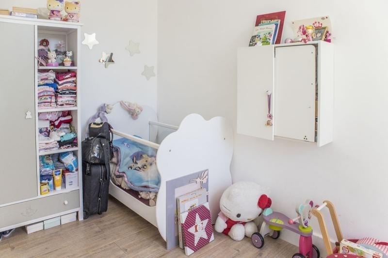Sale house / villa Montfort l amaury 220000€ - Picture 5