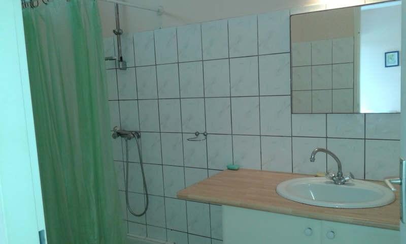 Location appartement Ste anne 620€ CC - Photo 4