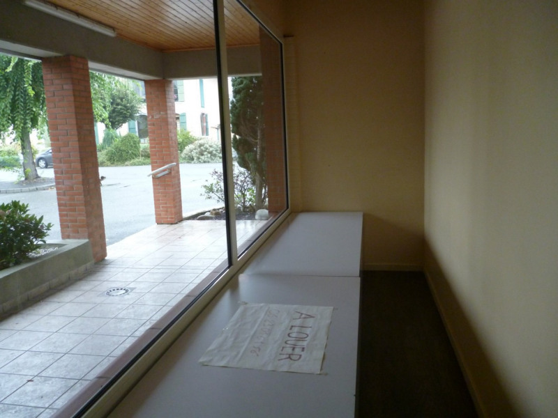 Location local commercial Horgues 650€ CC - Photo 3