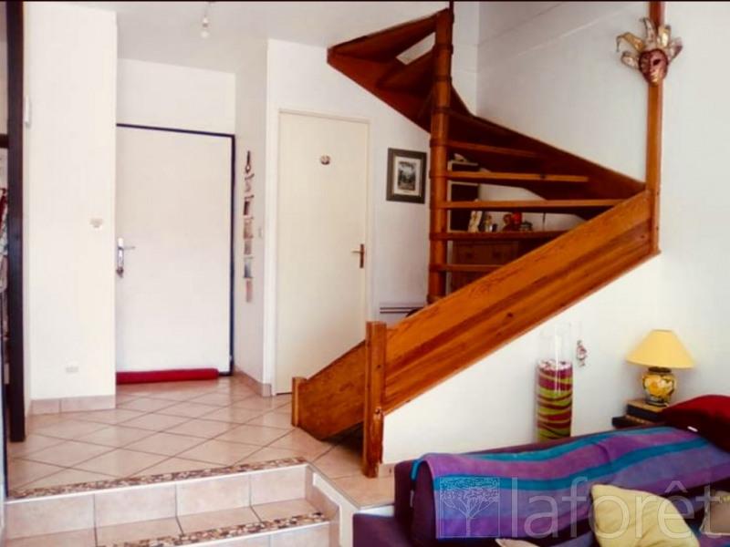 Sale house / villa L isle d'abeau 159500€ - Picture 6