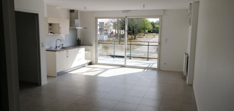 Location appartement Change 635€ CC - Photo 2
