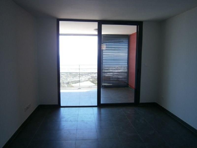 Location appartement St denis 573€ CC - Photo 2