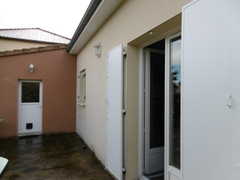 Sale house / villa Yvre l eveque 210000€ - Picture 6