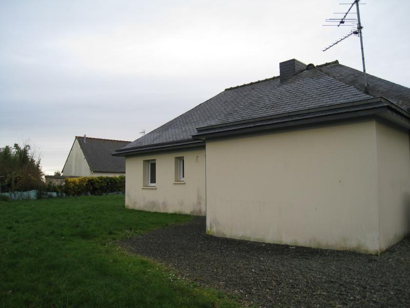 Sale house / villa Guingamp 143100€ - Picture 2