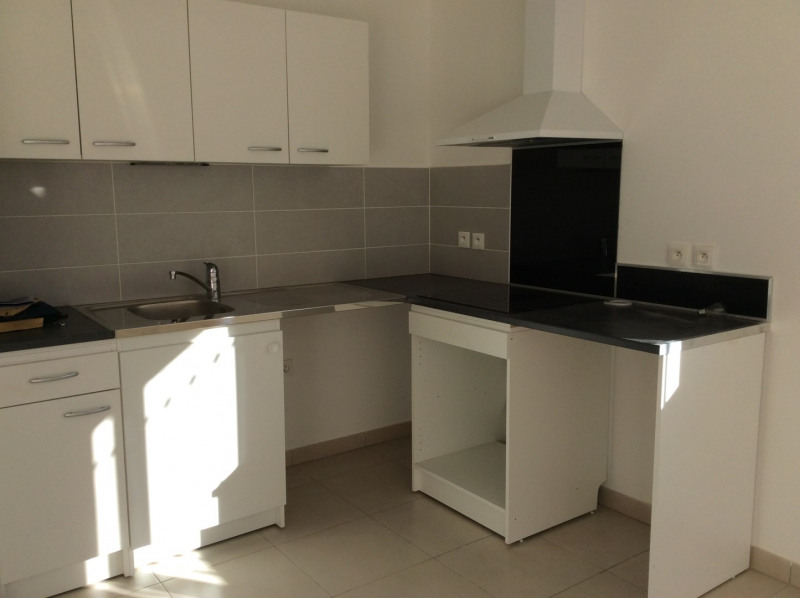 Location maison / villa Le muy 940€ CC - Photo 5