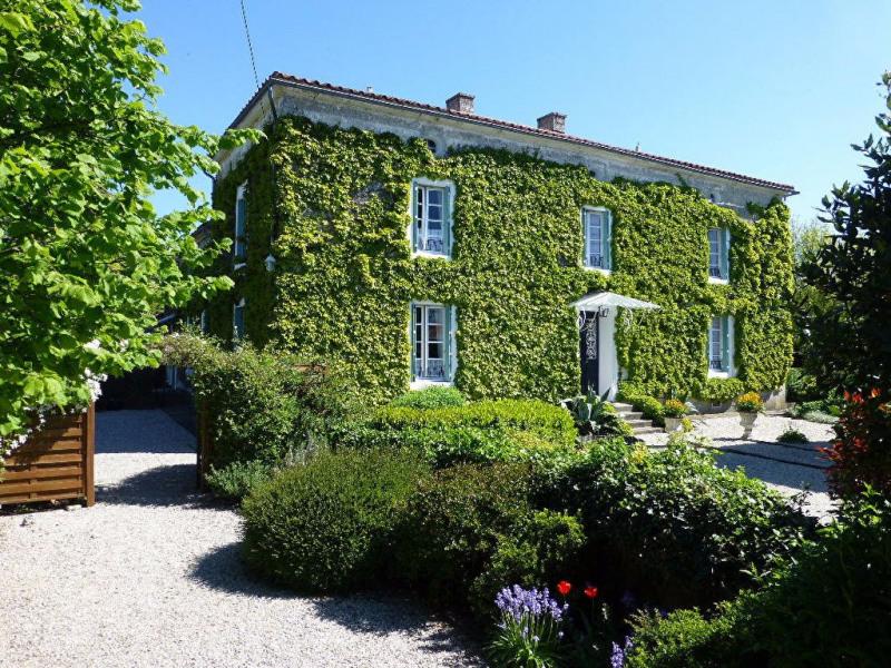 Vente maison / villa Velluire 439600€ - Photo 1