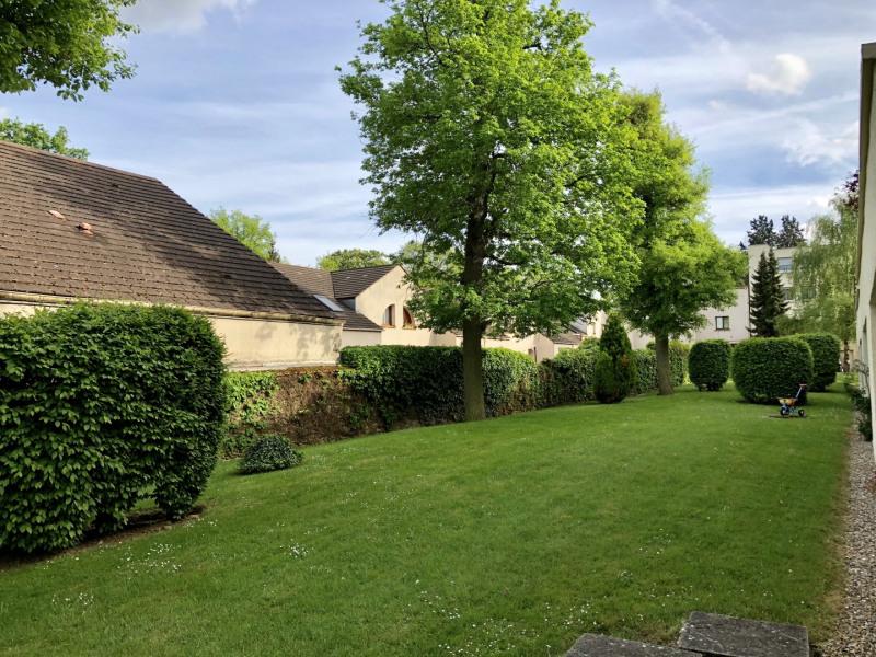 Sale apartment Le plessis-trévise 263000€ - Picture 1