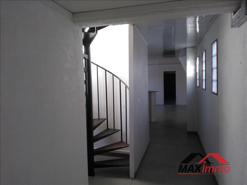 Location appartement St denis 1 382€ CC - Photo 11