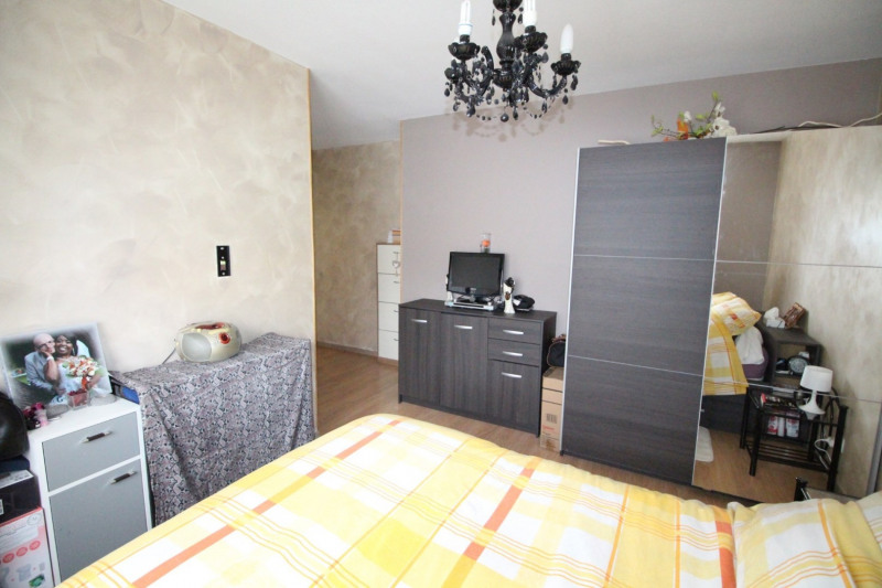 Sale apartment Fontaine 210000€ - Picture 10