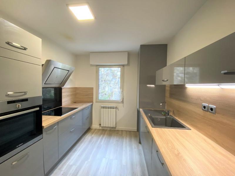 Location appartement Villeneuve les avignon 1090€ CC - Photo 3