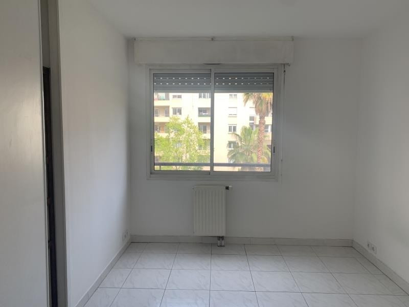 Location appartement Marseille 6ème 1 010€ CC - Photo 6