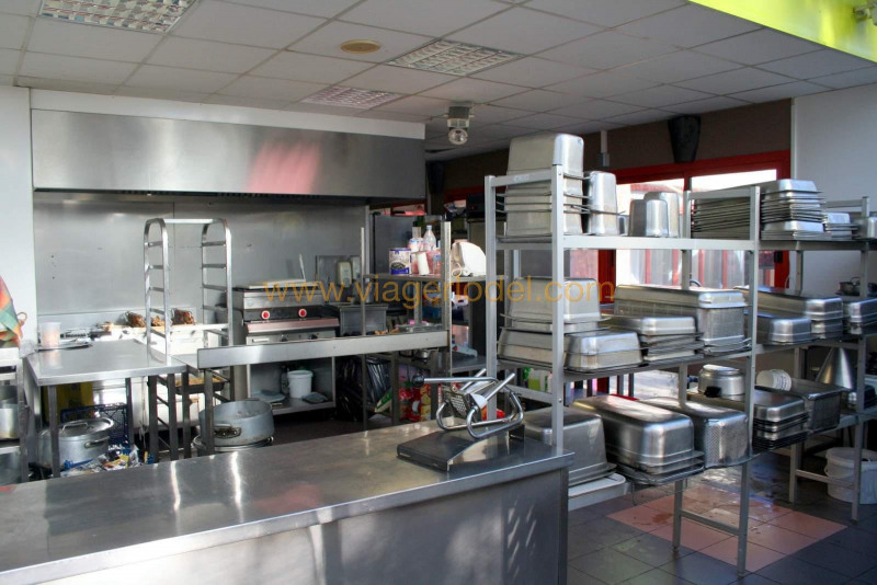 Commercial property sale shop Lisses 1 320 000€ - Picture 2