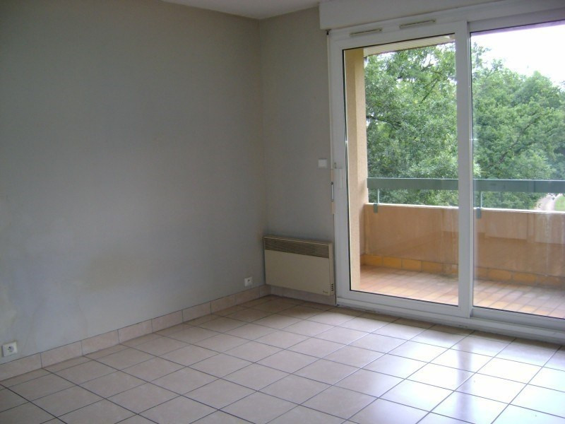 Rental apartment Onet le chateau 281€ CC - Picture 1