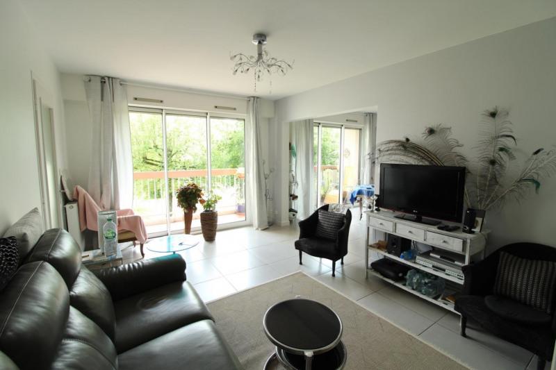 Revenda apartamento Voiron 190000€ - Fotografia 1